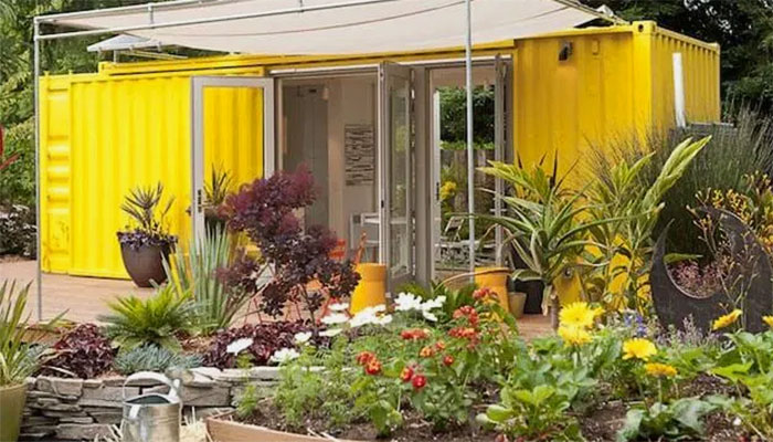 Konsep Kebun dari Kontainer Bekas untuk Urban Farming yang Cantik